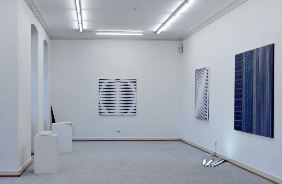 Raum- und Ausstellungsansicht im Künstlerhaus Bregenz mit Werken von Christian Eder
